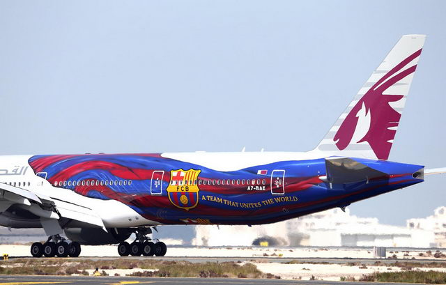 Qatar airways features fc barcelona livery on boeing 777 for Oficina qatar barcelona