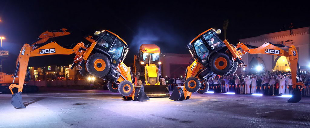 Mannai Heavy Equipment launches 2 [qatarisbooming.com].JPG