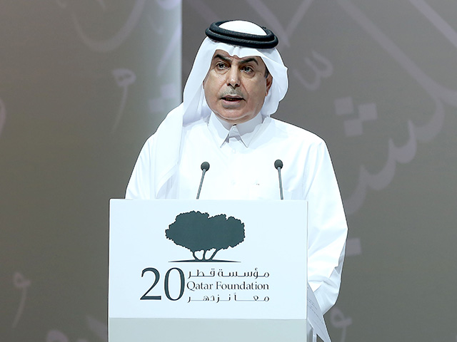 Minister of Youth and Sports 2 [qatarisbooming.com].jpg