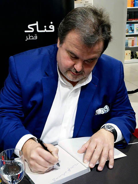 Pastry Chef Pierre Hermé signs 2 [qatarisbooming.com].jpg