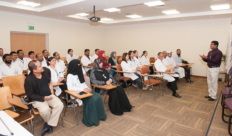 Rumailah Hospital holds hands-on 2 [qatarisbooming.com].jpg