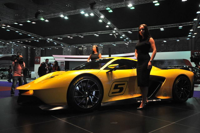 The Fittipaldi EF7 VGT 1 [qatarisbooming.com].jpg