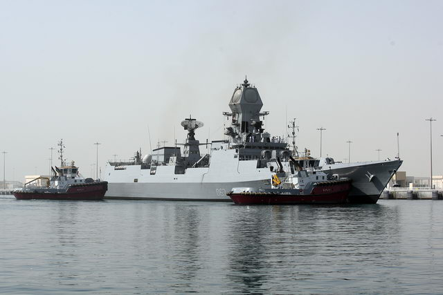Visiting warships dock at 2 [qatarisbooming.com].jpg