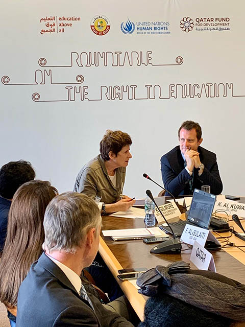 Roundtable on the right 2 [qatarisbooming.com].jpg